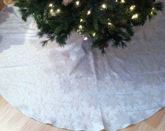 Golden Poinsettia Round Jacquard Tree Skirt