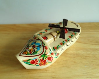 Vintage Holland Souvenir - Unique Wooden Shoe with Spinning Windmill - Wall Decor
