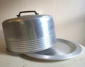 Vintage Retro 1950s Aluminum Cake Saver with Locking Lid by REGAL