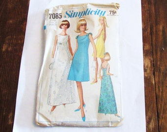 Womens  Vintage 1960s Simplicity  Dress Pattern Junior Size 13  Bust 33   Style 7085  Hollywood Regency Mad Men