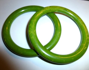 Pair of Pea Green Yellow Swirled Bakelite Bangles. Rounded Shape. Tested & Guaranteed. 1940s USA.