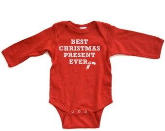 """Apericots Cute """"Best Christmas Present Ever"""" Winter Holiday Baby Long Sleeve Romper Xmas Birth Fun Wintertime Baby Shower Present Gift"""