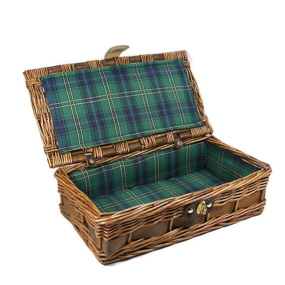 Soft Rush Lidded Rectangular Lined Storage Basket: Woven Wicker Basket Small Picnic Basket Green Plaid Lining