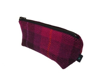 Make-up bag in Fuchsia pink Harris Tweed tartan with water-resistant lining