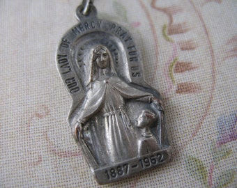 Vintage Religious Medal Our Lady of Mercy Vintage Jewelry Pendants Catholic Medals  V19