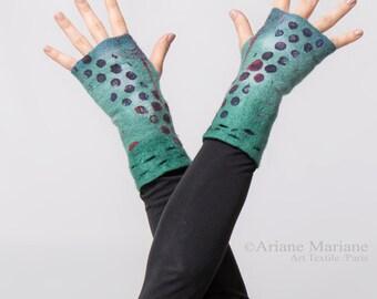 Awsome merino wool fingerless gloves, tie dye effect, painterly dots, green blue, reversible one of a kind women accessorie, handmade France
