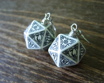 D20 steampunk dice earrings dice jewelry dnd dungeons and dragons toothed bar pathfinder dice jewelry steampunk pendant