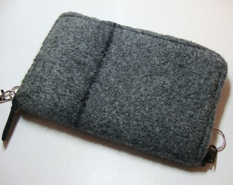 Smart phone wallet in gray felted wool