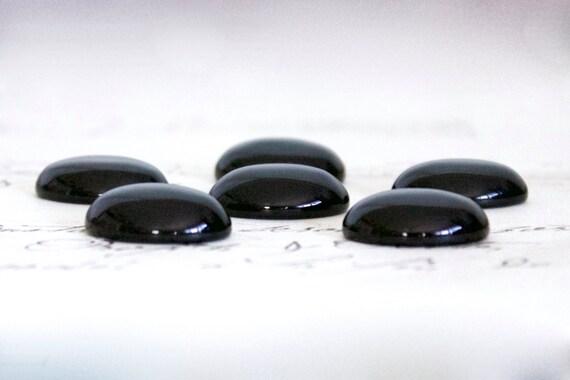 oval black onyx cabochons 18x13mm or 25x18mm semi