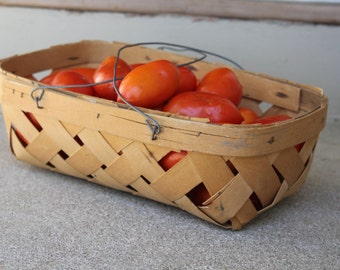 Vintage Wicker Basket Fruit Vegetables Metal Wire Handles Rustic Farm HomeSteading Woven Kitchen Farmers Market Decor Storage Organization