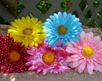 Daisy Hair Flowers-SALE-Weddings, Flower Hair Clips, Floral Hair Accessories, Country Wedding, Dress Up, Bachelorette Party, Bridal Shower