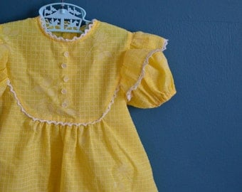 Vintage 1960s 1970s Girl's Yellow and White Dress - Size 3T
