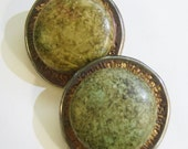 vintage gold tone or else tarnished silver tone with speckled green large clip on earrings 0515D