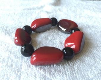 Beaded Bracelet, red bracelet, scarlet bracelet, statement bracelet, Valentine Bracelet, Christmas Bracelet, Stretchy Bracelet