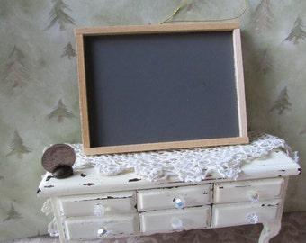 Dollhouse Miniature chalk board roombox school house
