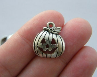 8 Halloween pumpkin charms antique silver tone HC176