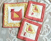 Insulated Hen and Baby Chicks Pot Holders and Table Mat