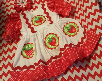 Made and Ready to Ship...size 2T only...Boutique OOAK Scallop Frame Strawberry Shortcake Dress and Hairbow