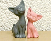 Customize Your Colors - Mid Century Modern Cats Ceramic Kitten Wedding Cake Toppers Shown in Gray and Light Pink - Made to Order
