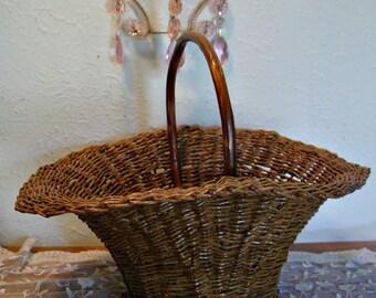 Wicker Basket Tote - Wood Handle Tote - Farmhouse Basket - Wedding Basket - Photo Prop - Rustic Country - Home Decor Basket