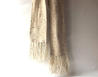 vintage 1970's knitted wool blend scarf wrap men women fashion fall winter mid century retro izzi neutral cream brown fringe speckled knit