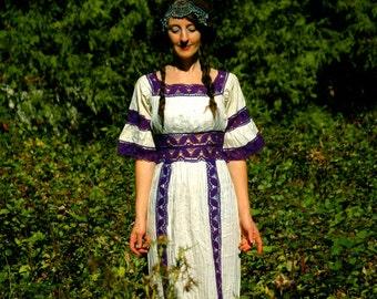 Size Small... 1970s Maxidress With Crochet Details... 70s Boho Beauty... AMETHYST