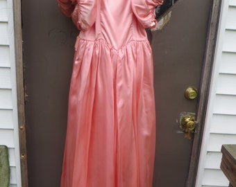 vintage  80s  fab  peach satin and lace Southern belle long gown   dressy
