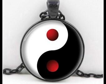 Black And White Yin Yang Pendant, Yin Yang Necklace, Yin Yang Jewelry, Glass Necklace - P-YY-2