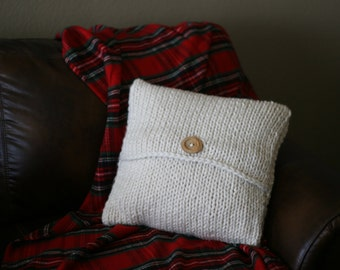 Super-chunky knit pillowcase with wood button in cream