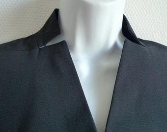 ISSEY MIYAKE cropped tuxedo style black jacket