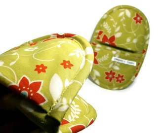 Chartreuse Floral Potholder Oven Mitts,  Favorite Hot Pad Serving Pair,  Chartreuse, Off-White, Orange Flower Print Oval Pot Holders