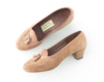 Vintage 70s Shoes * 1970s Loafer Heels * Suede Pumps * Tassel Fringe * size 6.5 / 37