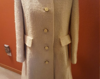 Wonderful Vintage Cream Boucle Winter Coat with Fun Buttons!