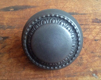 Vintage cast Iron Art deco style door knob E2193