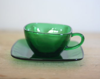vintage charm pattern emerald green cup and saucer by anchor hocking