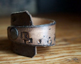 """Leather """"Alabama"""" cuff in Fossil Bison"""