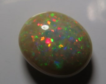 WELO Ethiopian OPAL - Amazing Green Red Mix Fire - AAAAAAAAA - High Quality - Oval Shape Cabochon Huge size - 14x17 mm - Height 7 mm