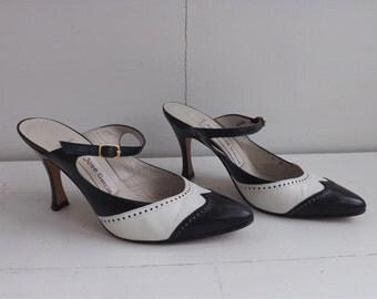 Black White 80s Shoes Heels Mules Open Back 5 M Vintage Juan Jose Garcia