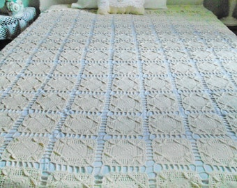 Vintage Bedspread Crochet Lace Creamy Heavy Heirloom Quality