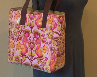 Deluxe Tote, Pink Squirrel Vinyl Exterior with Green Interior