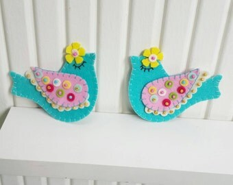 Curtain Holders- Curtain Tie Backs Magnet  With Felt Folk Art  Birds With Dots Winged Turquoise