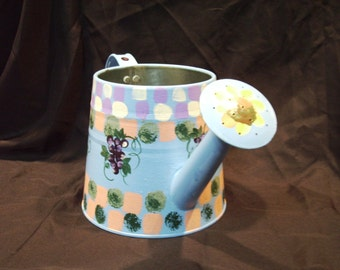Tinware/Watering can/ Decorative painted