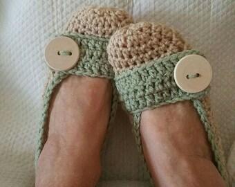 Crochet Slippers Womens Natural and Light Green Flats