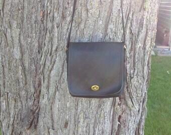 Vintage Black Leather Coach Crossbody / Small Coach Shoulder Strap Purse / 9076