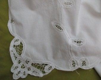 Vintage Battenburg Lace CURTAIN- white, cotton, vine