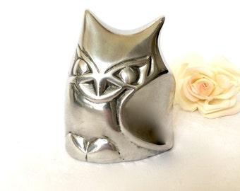 Vintage Hoselton Owl Sculpture / Aluminum Owl figurine / Signed Hoselton Canada / Aluminum bookend