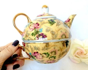 SUMMER SALE Floral Chintz teapot with Teacup / Teapot for one