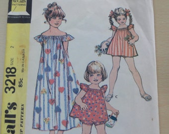 1972 Toddlers' Peasant Dress, Top and Panties Bloomers, Ruffle Sleeves, Girls' Muumuu- Vintage 70s McCall's Sewing Pattern 3218- Size 2 Cut