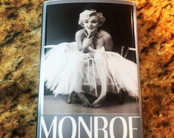 Marilyn Monroe pin up classic 8 oz stainless steel flask retro alcohol Hollywood movie star
