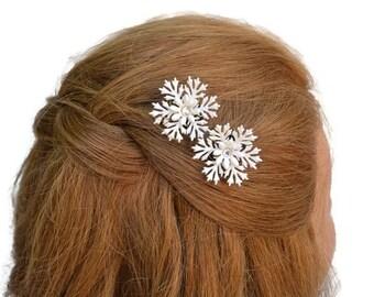 50s Vintage Flower Bobby Pins. White Wedding Hairpins, Vintage Coro Bobby Pins, Rhinestone Flower Bobbies